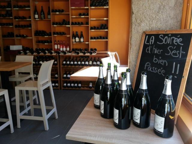 Achat et dégustation de vins chez nous