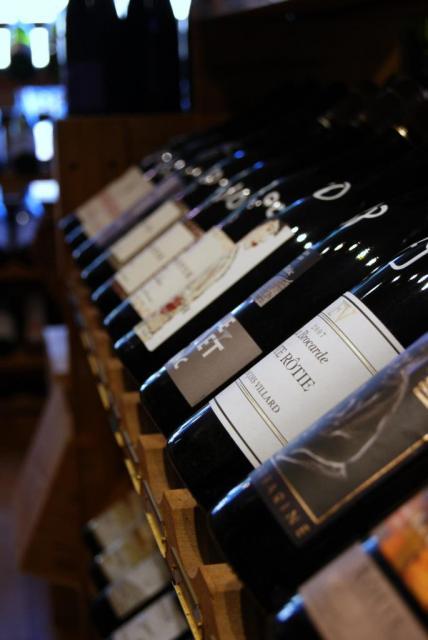 Un large choix de vins à déguster et à emporter